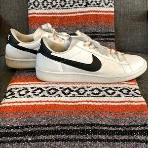 Nike Blazer Low Black & White Size 11